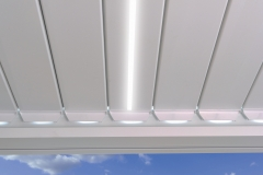 B-200 Louvres closed LED_on